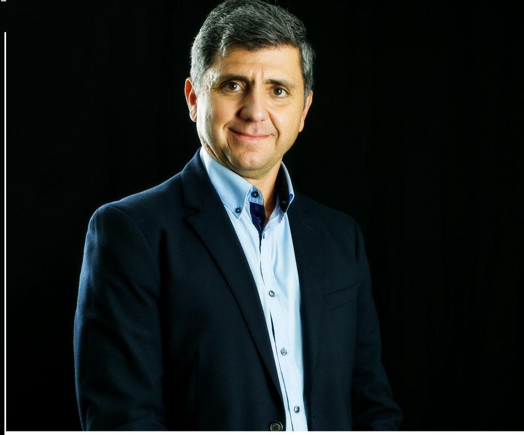 """2158dc081 Entrevista com Alexandre Lima é autor do livro """"Pesquisas de Opinião"""" e  está atualmente desenvolvendo seu segundo livro, sobre o tema da Economia  da ..."""